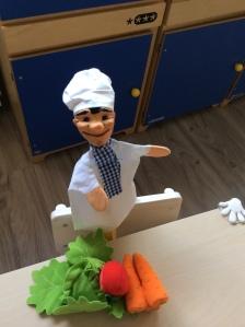 Mr.Cook, qui ens porta el dinar cada dia